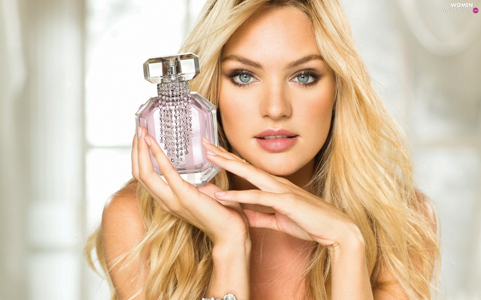 Blonde, perfume, Candice Swanepoel, make-up