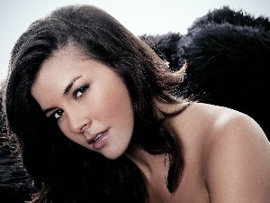 Imogen Thomas, shoulder